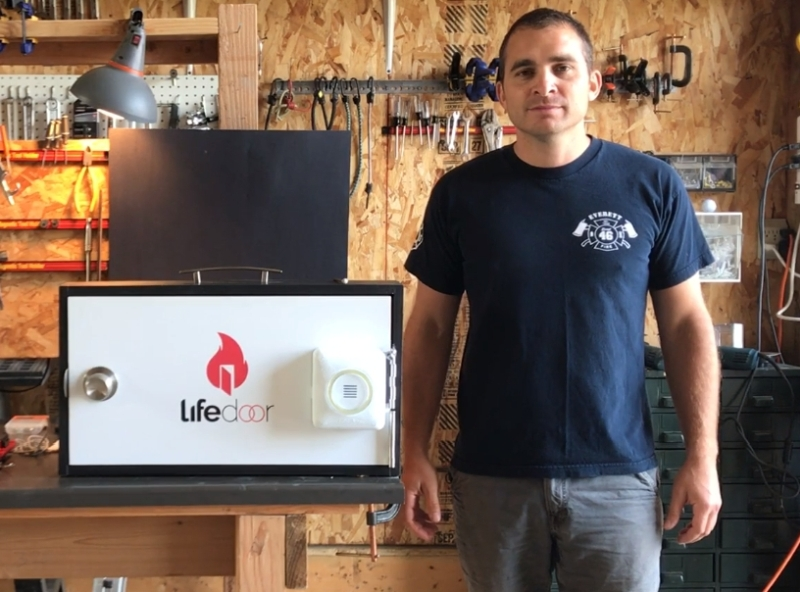 LifeDoor a fire safety device