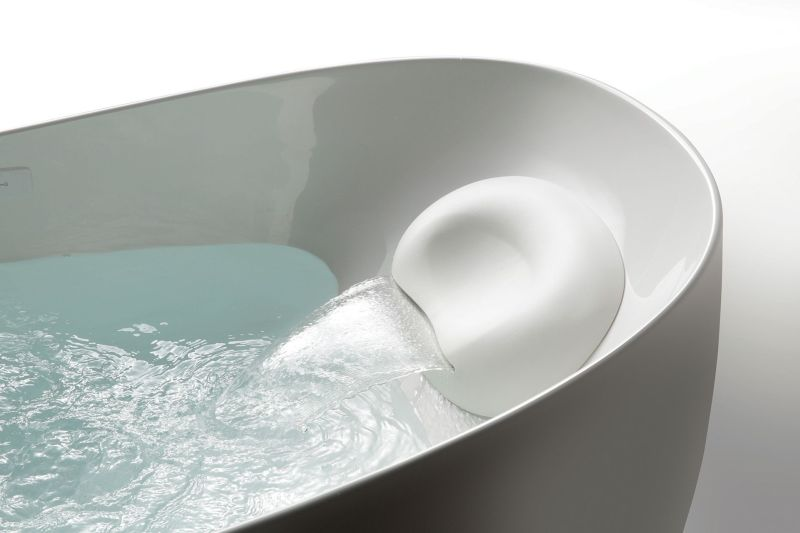 Toto Flotation bathtub at CES 2018