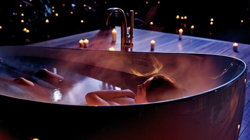 Toto Flotation bathtub at CES 2018