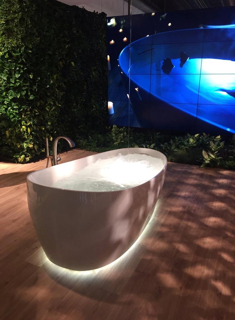 Incroyable Flotation Tub