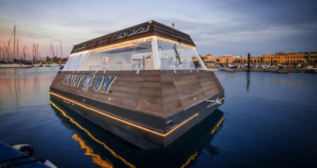 Aqua Pod: The World's First Floating Food Cart Debuts in Dubai