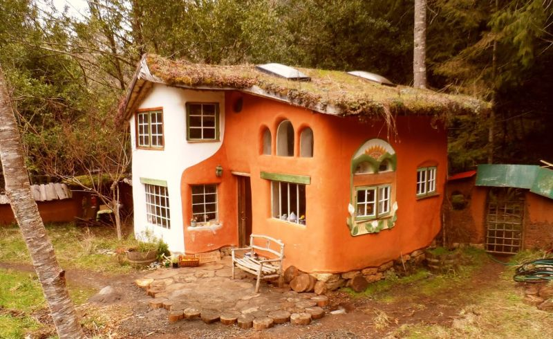10 Best Cob Houses And The Benefits Of Building One