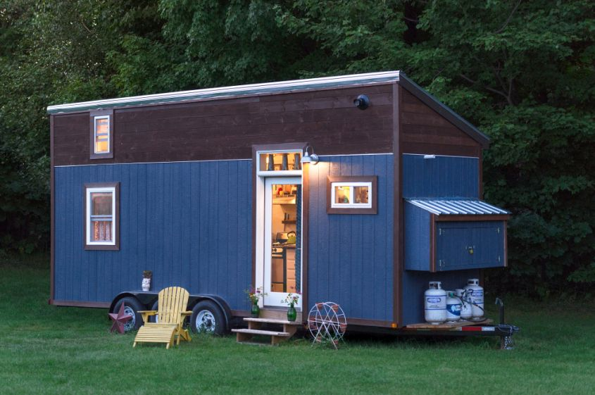 Little Lou tiny house on wheels
