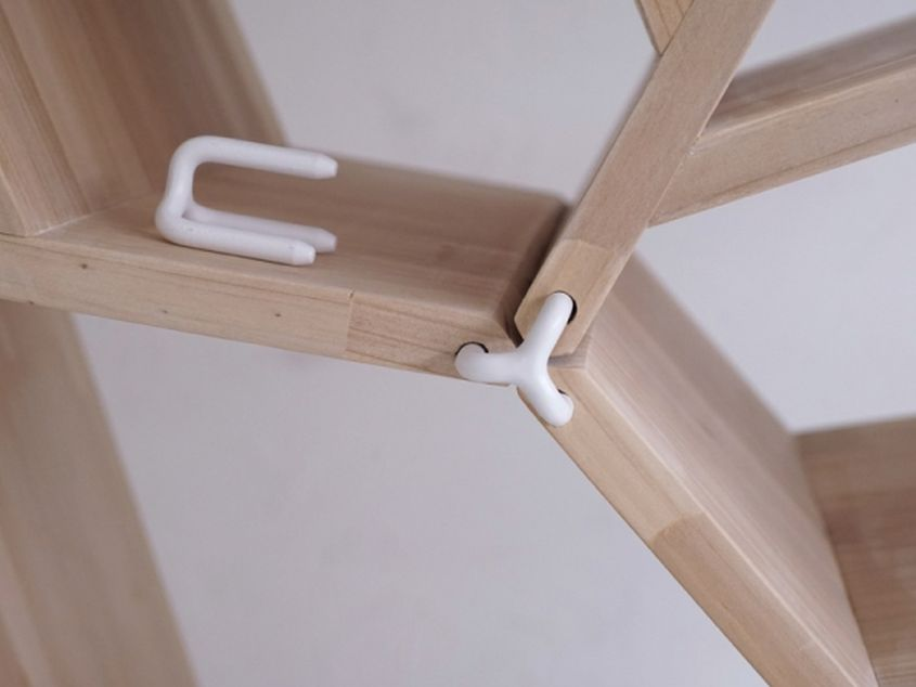 Bing modular shelf by Christoph John