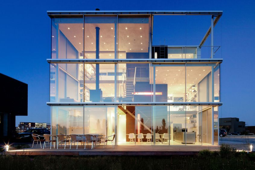 Glass house in Rieteiland, Amsterdam