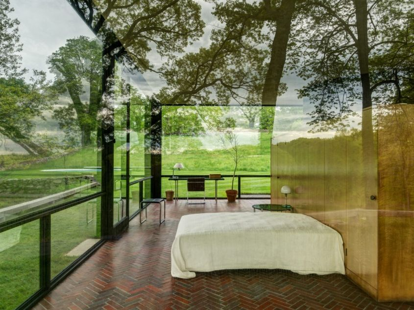20 Modern Glass House Designs And Pictures