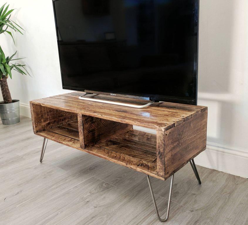 Rustic reclaimed pallet wood coffee table by Farmhouse Pallets Co