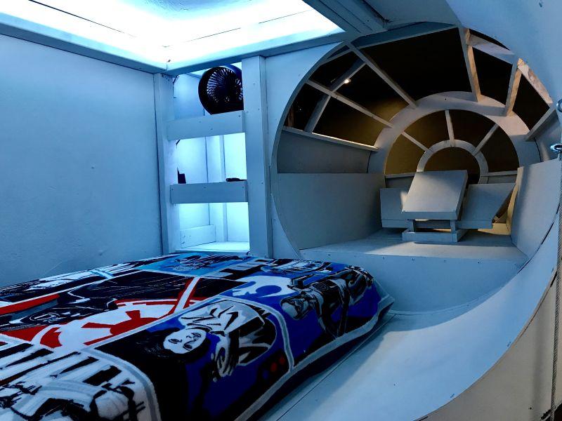 Millennium Falcon kids' bed