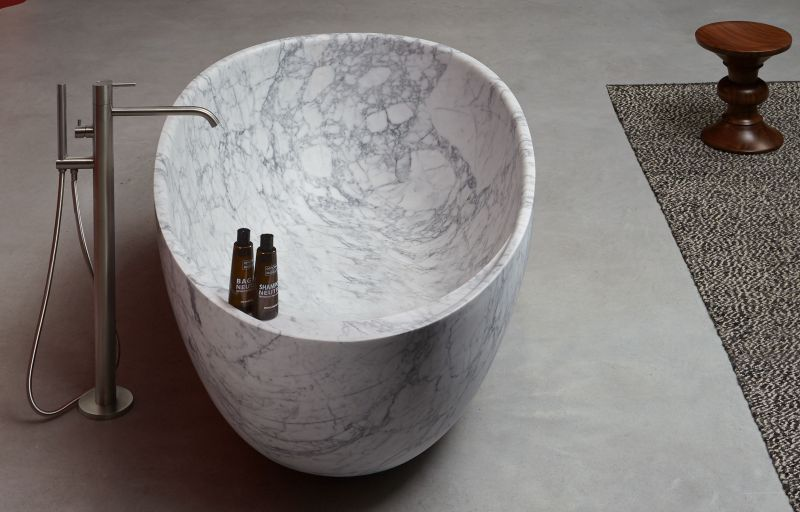 Carrara Marble Freestanding Bathtub from Antoniolupi