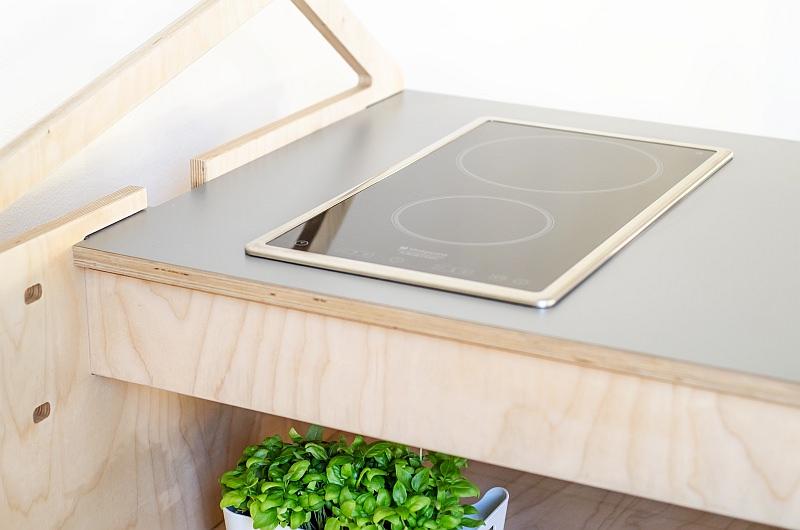 Cucina Leggera flat-pack kitchen by Stefano Carta Vasconcellos
