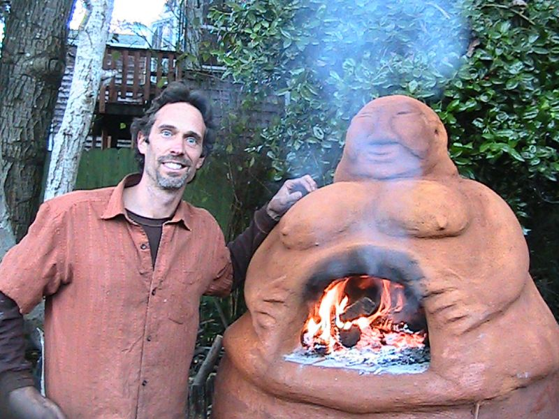 Miguel Elliott 's mud oven