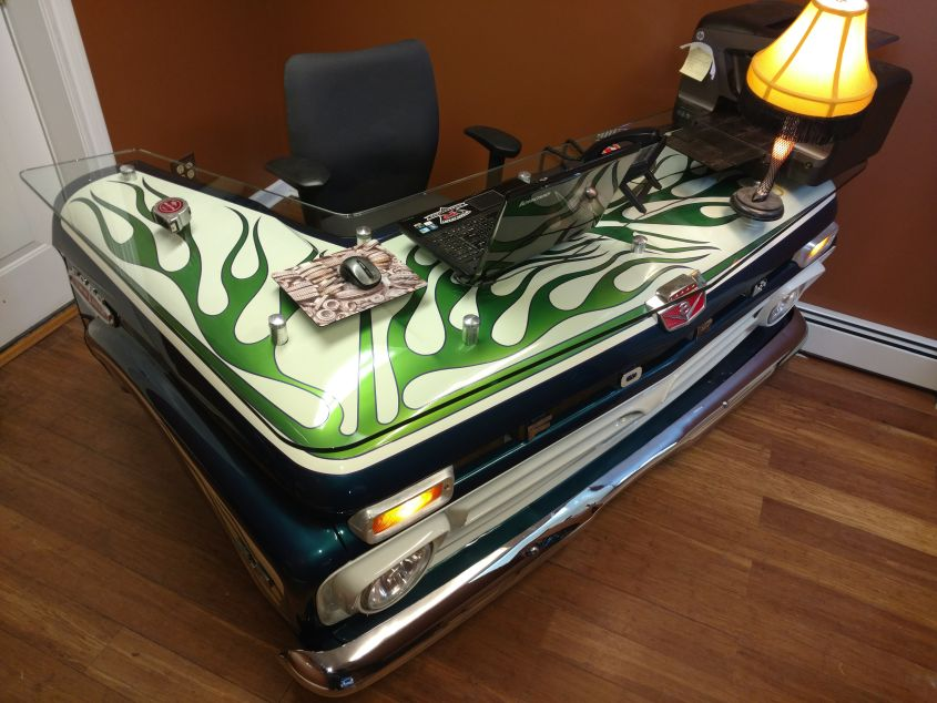 Dying Ford Truck Restored Into Office Desk