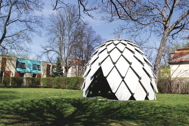 Pinecone-shaped movable gazebo from MMCITÉ1 and SAD
