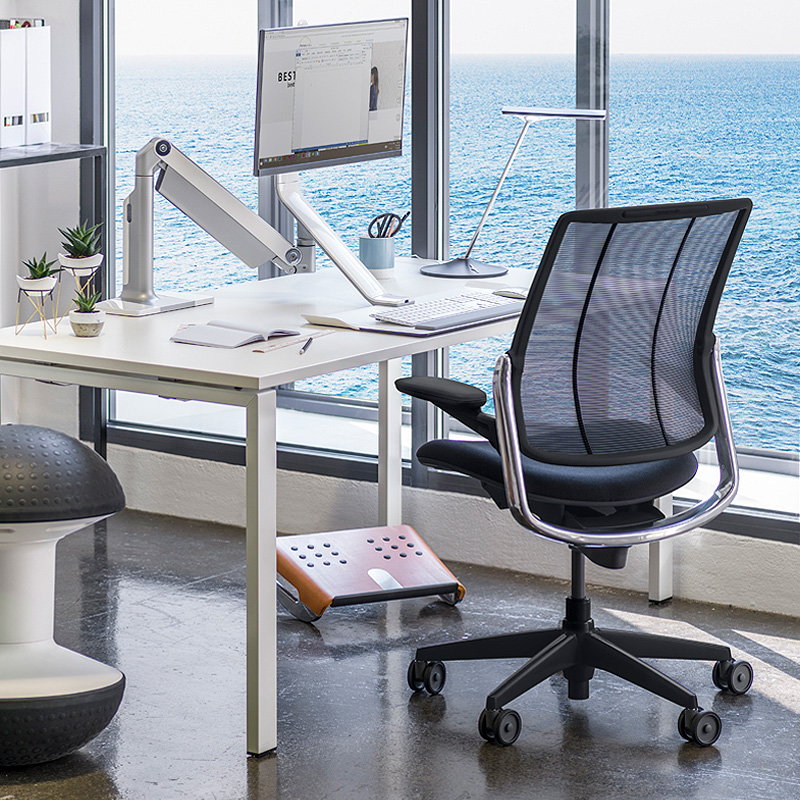 Smart Ocean task chair by Humanscale is made out of recycled fishing nets