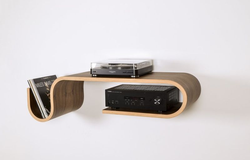 Kino Guerin Bends Laminated Wood Into Inviting Curved