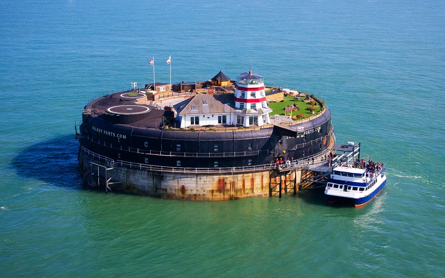 NO MAN'S FORT by Solent Forts
