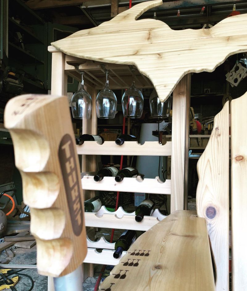 The michigan wine chair - wine dispensing chair