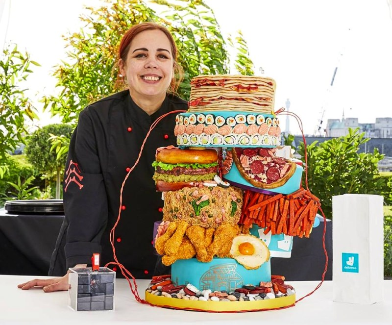World's First Electric Cake from Conjurer's Kitchen