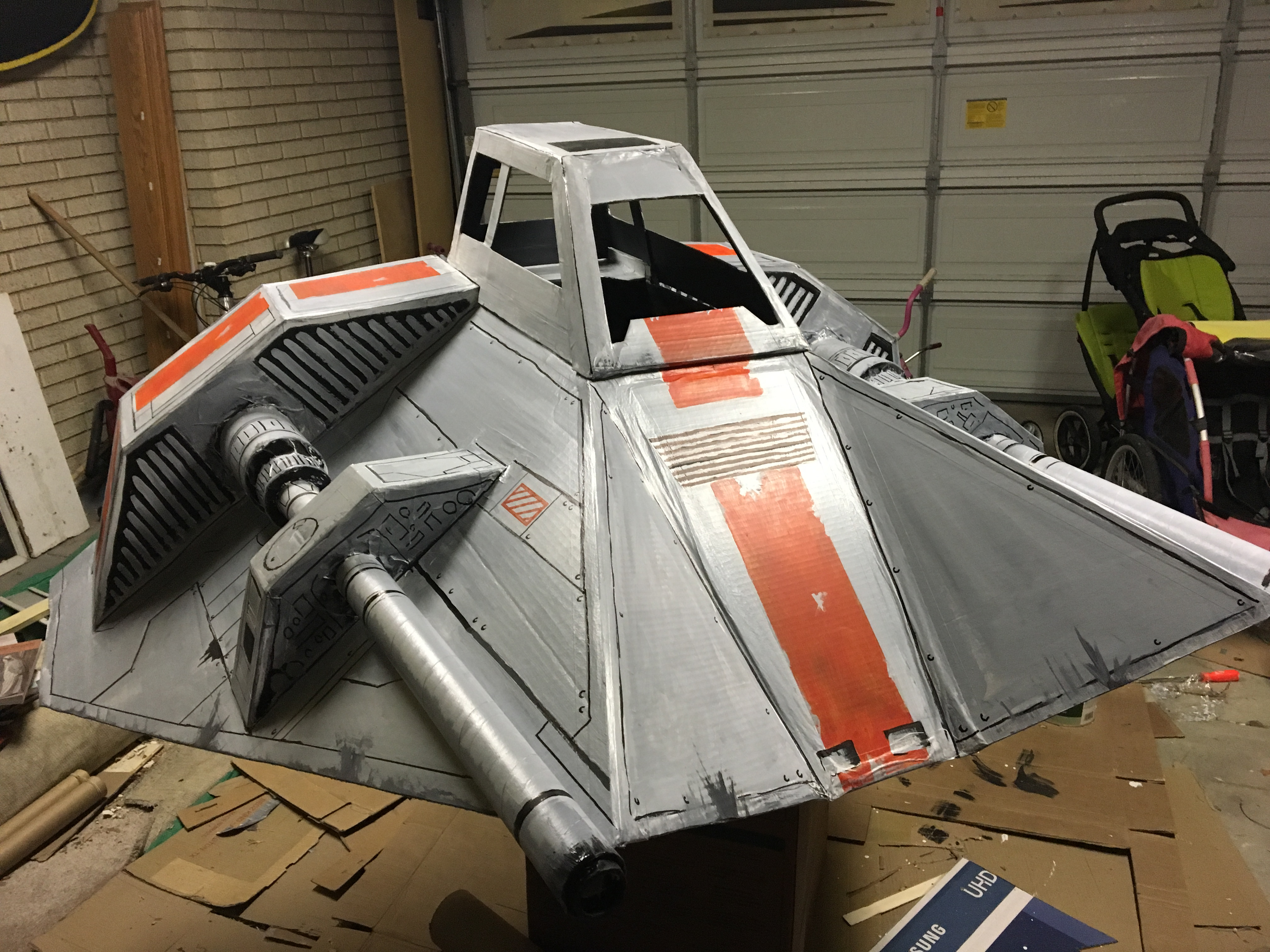 X Wings Cardboard Star Wars snowspeeder -DIY