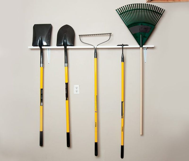Easy-to-Build Garden Tool Rack