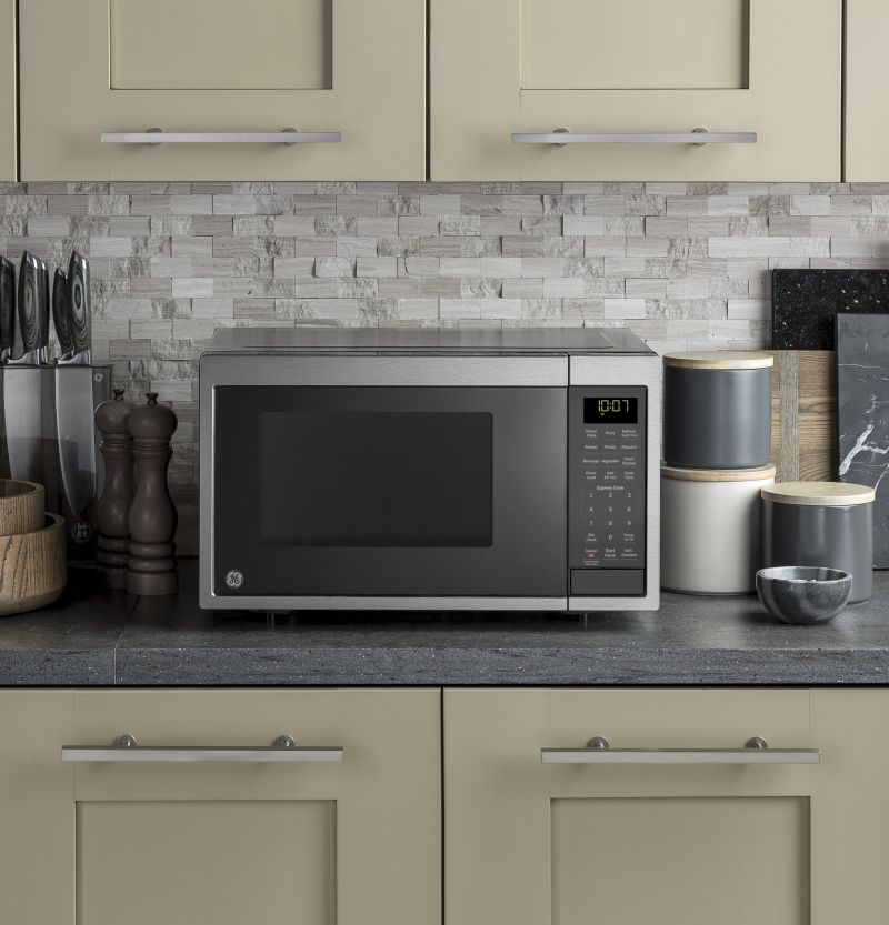 GE Smart Countertop Microwave Oven with Scan-to-Cook Technology