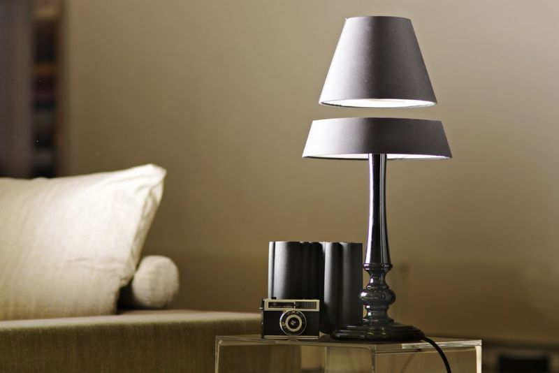 Levitating Table Lamp by Crealev