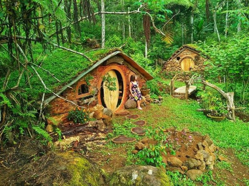 Life-Size Hobbit Houses in Philippines are Straight Out of Lord of The Rings