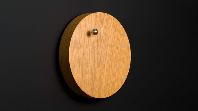 STORY Levitating Clock by Flyte