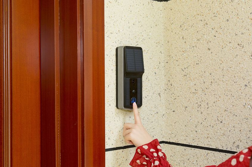 Soliom Solar-Powered Smart Video Doorbell Promises Easy Installation