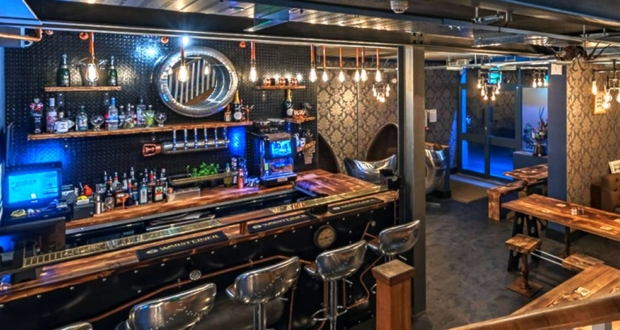 The escapologist steampunk bar in Selby