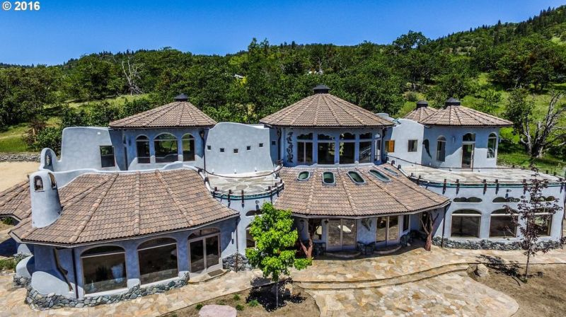 Shining Hand Ranch up for sale for $7.6 Million