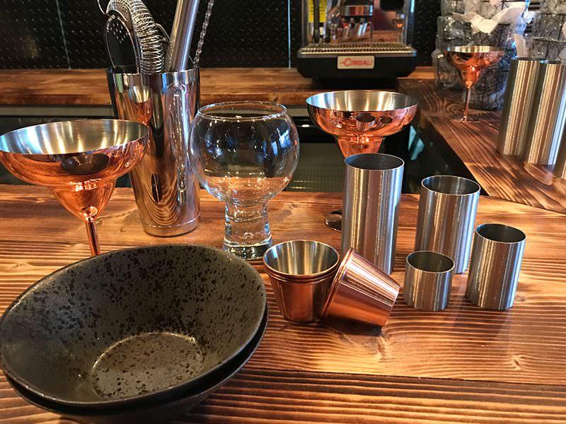 the escapologist steampunk bar