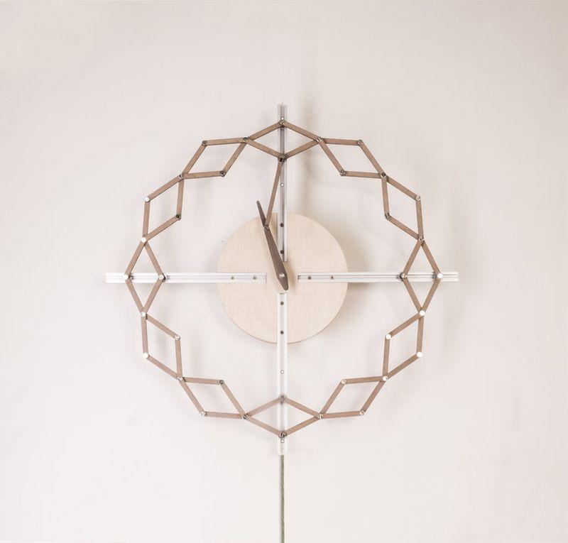 Animaro Kinetic Clocks Change Shape with Time