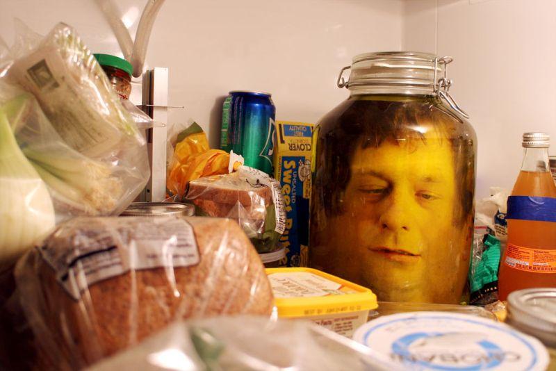 Head in a jar prank for Halloween: DIY steps