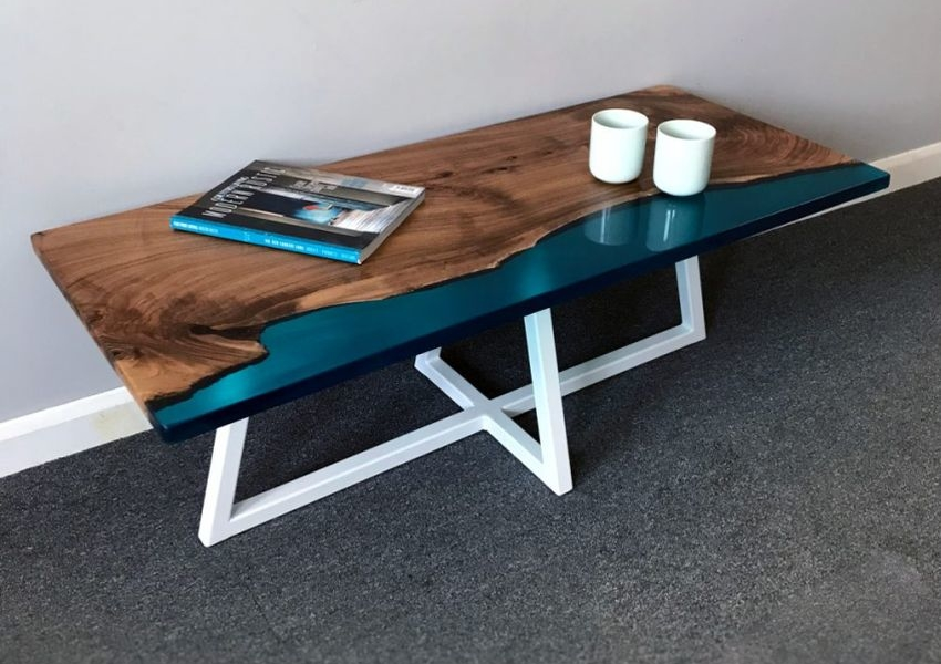 wood and resin table - HomeCrux