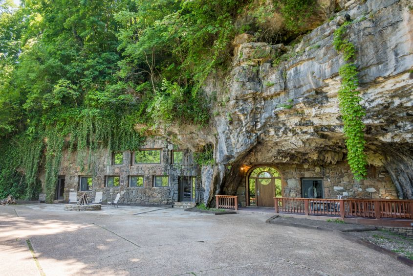 This Cave House in Arkansas can be Rented for $1,600 Per Night