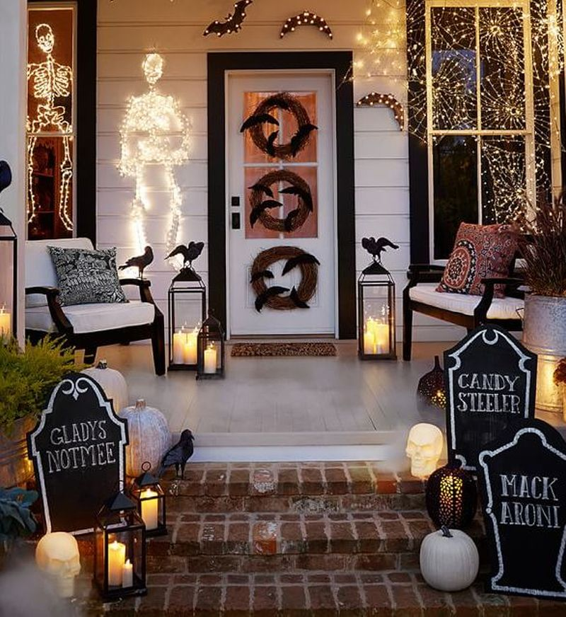 Halloween front door light decoration ideas_1