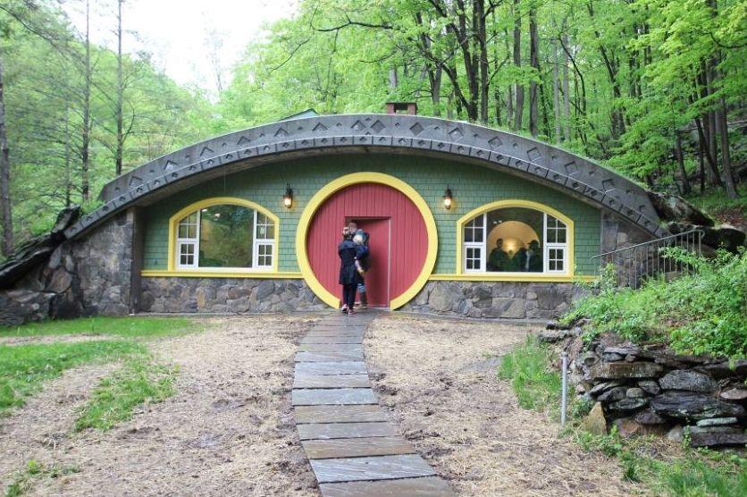 Hobbit Hollow - Passive Hobbit House in New York - DIY