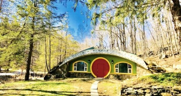 Hobbit Hollow - Passive Hobbit House in New York by Jim Costigan