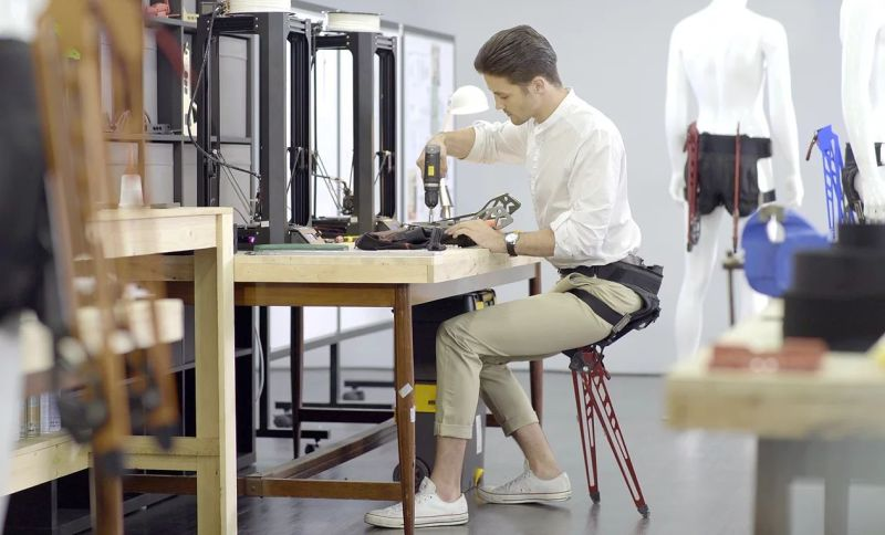 LEX Wearable Chair by Astride Bionix Lets You Sit Anywhere