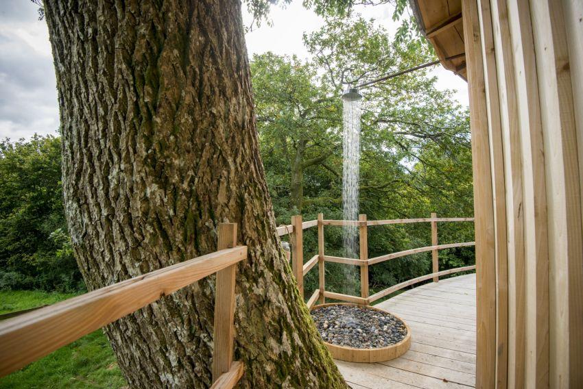 Ty'r Onnen Treehouse