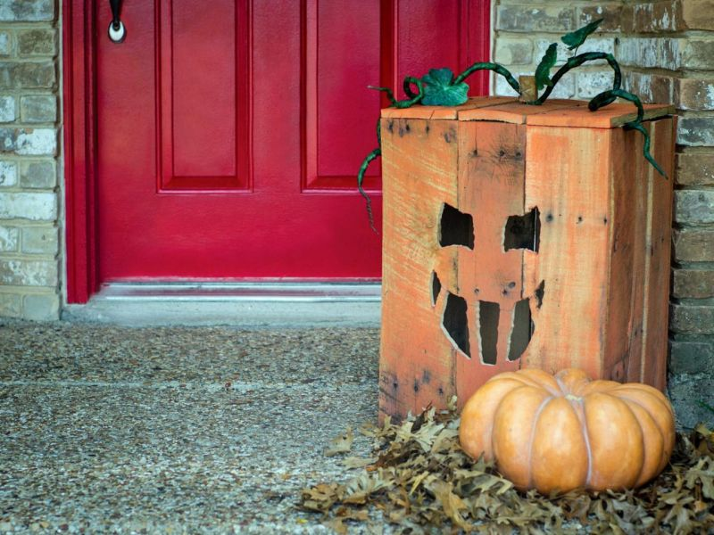 pallet wood pumpkin