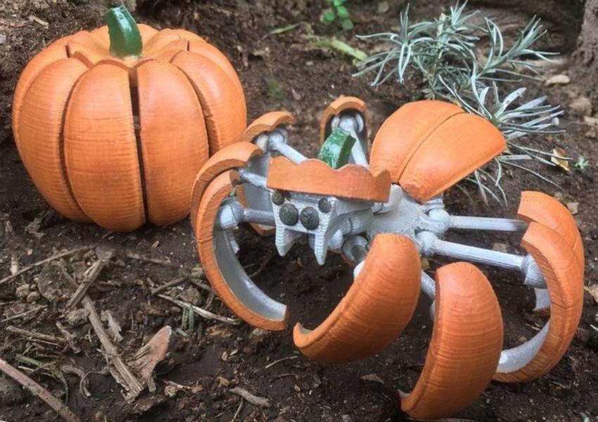 3D printed Halloween Pumpkin Spider Transformer