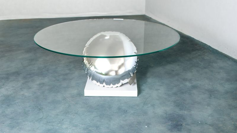 Duffy London's New Balance Balloon Table