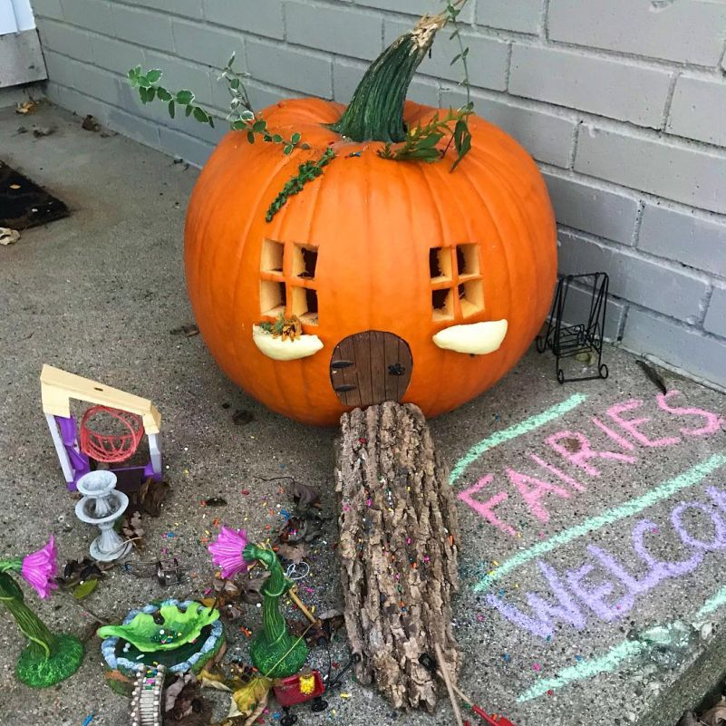 Ideas for DIY Pumpkin Fairy House /Garden for Halloween