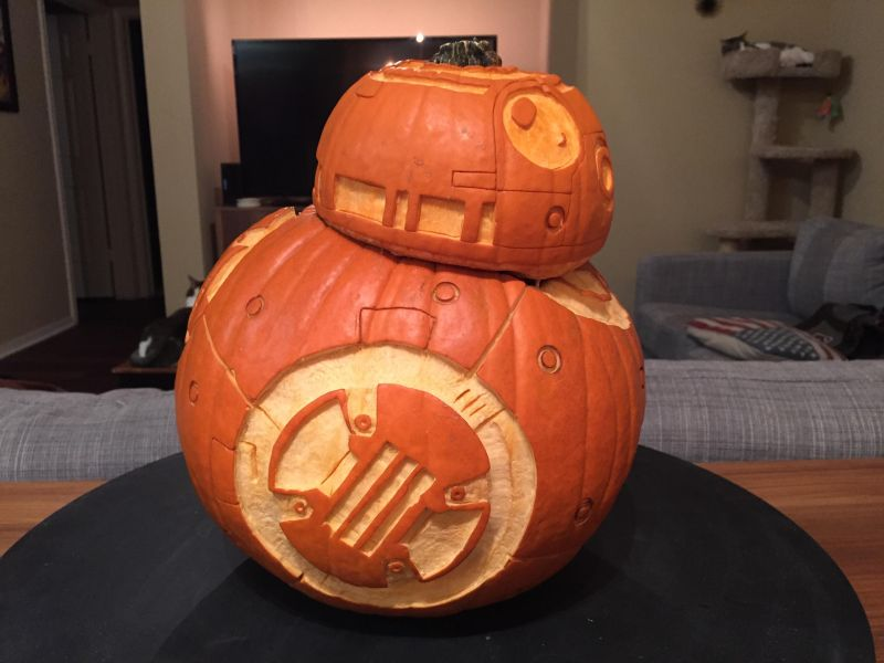 Star Wars-inspired Halloween pumpkin decorations