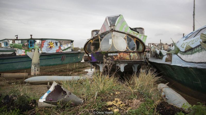 These Houseboats in Britain are Made from Old Buses, Speedboats and Planes