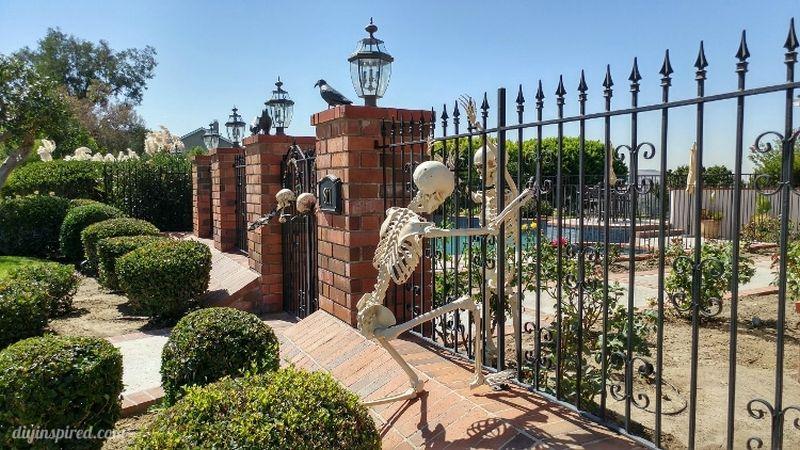 skeleton front gate Halloween decoration