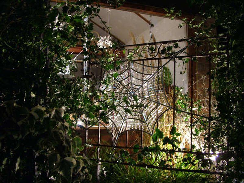 spider web front gate Halloween decoration
