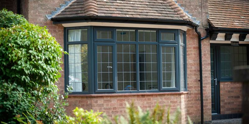 Modern bay and bow windows design